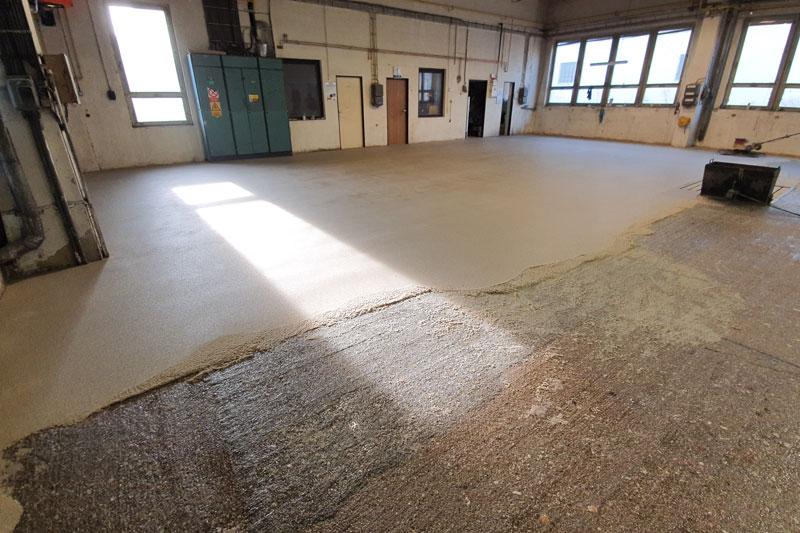 PLASTSERVIS - Strojně hlazené epoxidové podlahoviny (plastbetony)